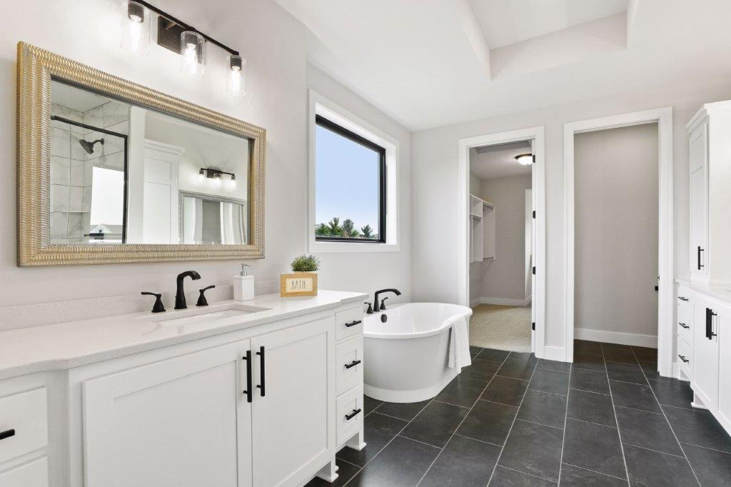 Spa-like owners' suite free standing tub