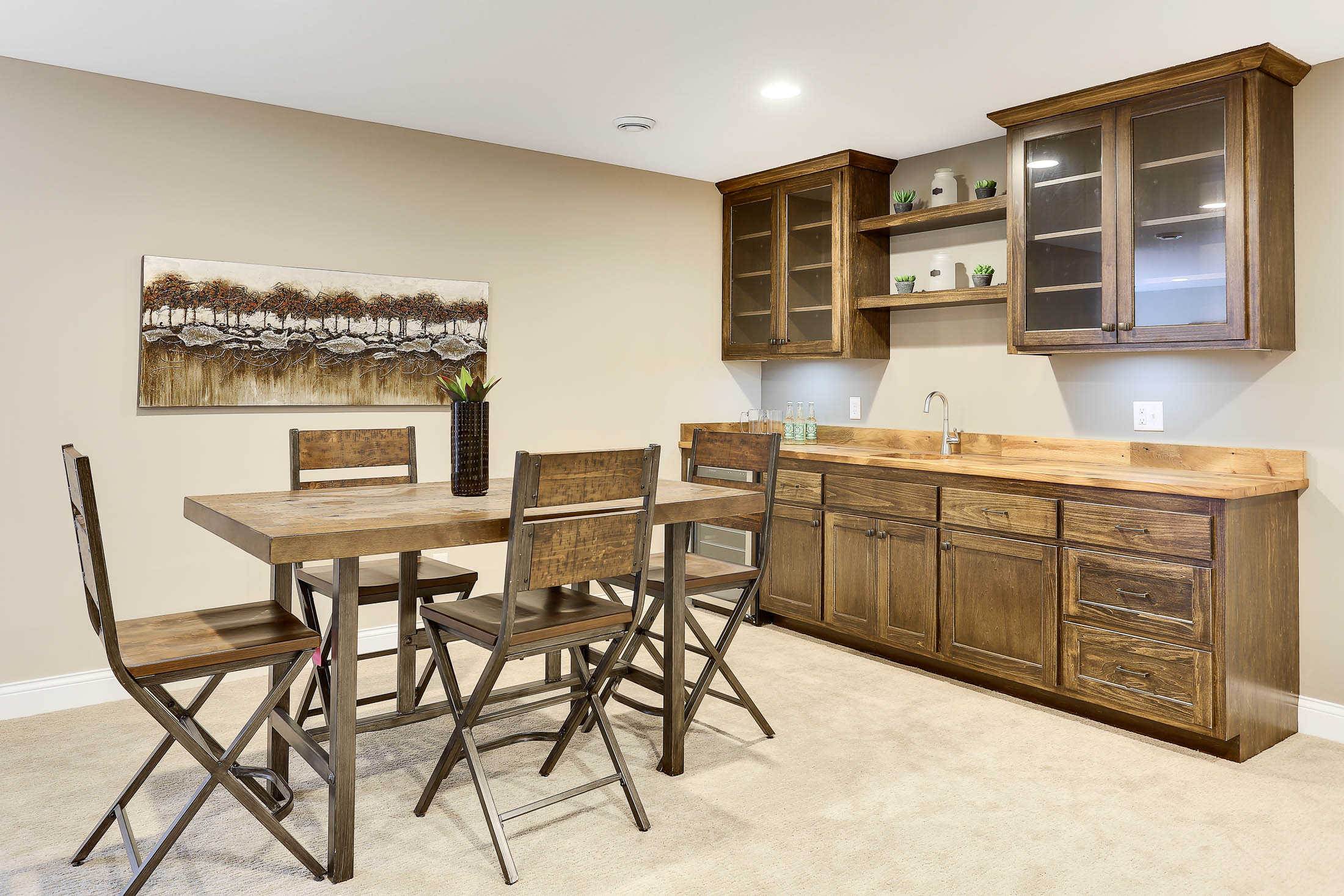 Wet Bar and Game Area